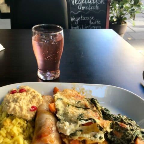 Bild från Bellas vegetariska matcafé av J-O E.