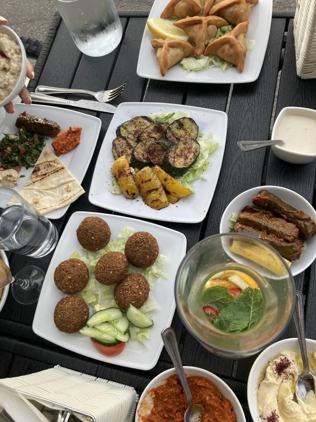 Bild från Beirut Bistro av Jessica K.