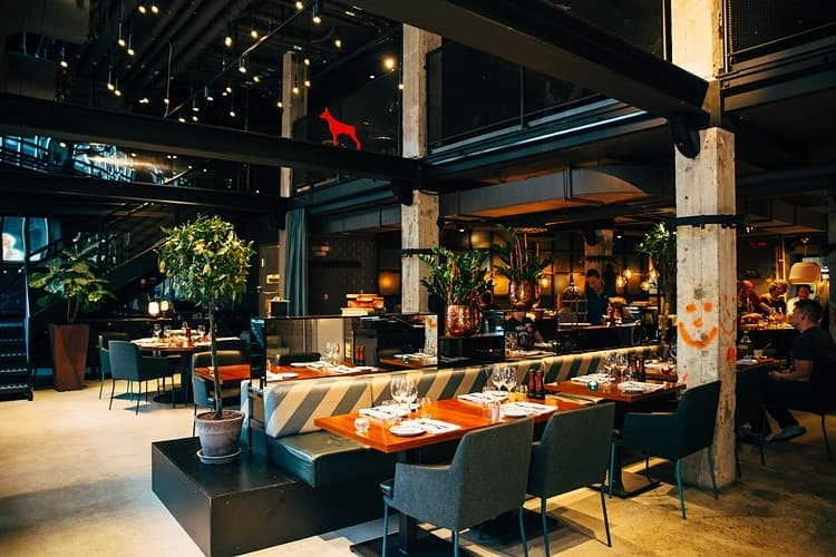 brick no 6 story hotel sundbyberg restaurang bar sundbyberg stockholm thatsup. Black Bedroom Furniture Sets. Home Design Ideas