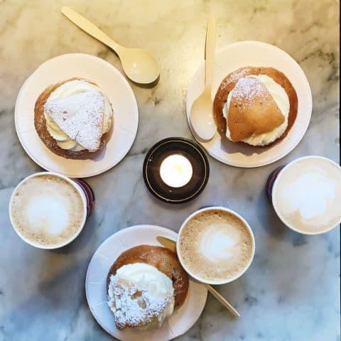 Semlor och kaffe – Bild från Bröd & Salt Sveavägen av Marcus S.