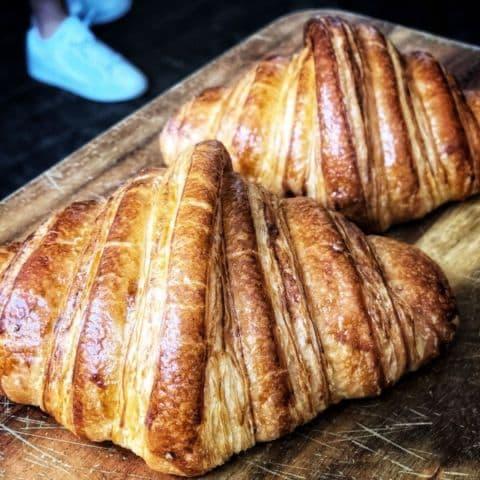 Nybakade croissanter – Bild från Bröd & Salt Tullhus 3 av Annelie V.