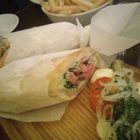 Brunch, entrecôte sandwich ( Feb 2019) – Bild från Brasserie Balzac av Katarina D.