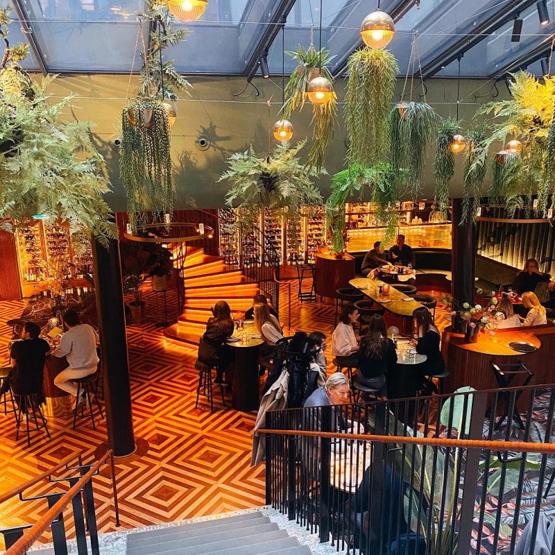 Lokalen – Bild från Brasserie Astoria av Isabelle W.