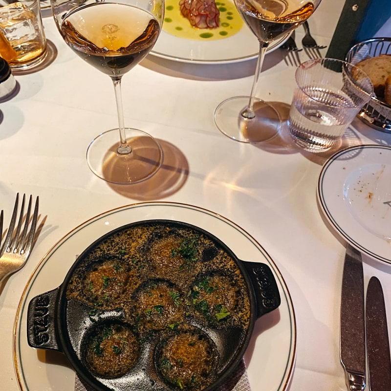 Sniglar – Bild från Brasserie Astoria av Isabelle W.