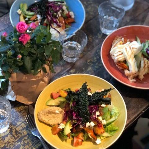 Lunch! – Bild från Bröderna Svedmans Frukt & Grönsaksbod av Agnes L.