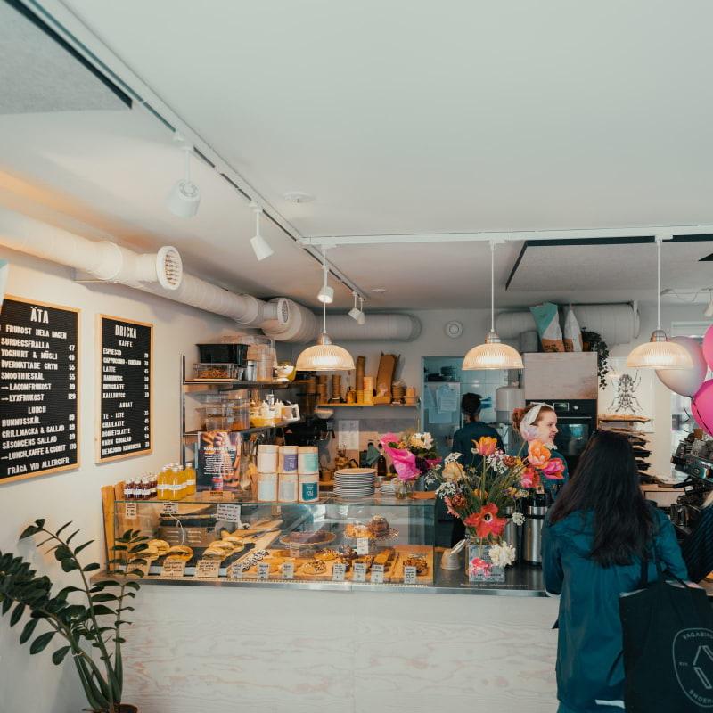 Interior – Bild från Bruket Kaffebar & Kafé av William S.