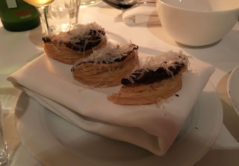 Mördeg med parmesan – Bild från Café Nizza av Sophie E.