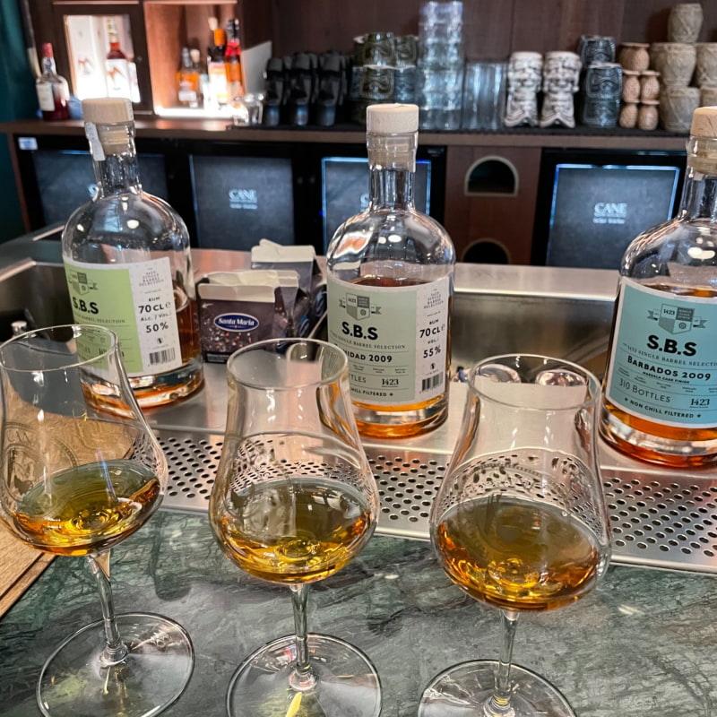 Prova tre olika Romsorter – Bild från Cane Rum Society av Nils Erik J.