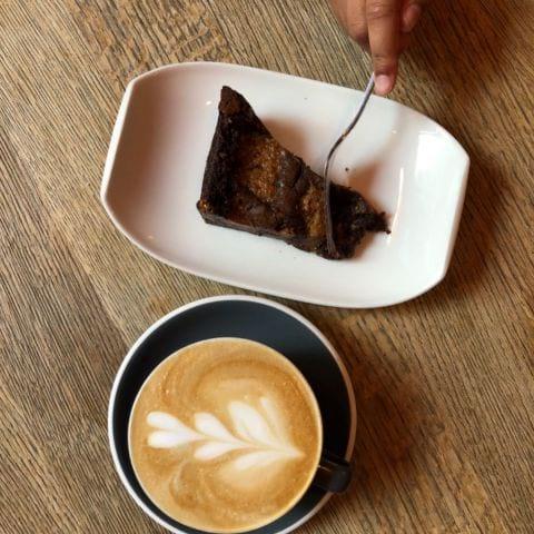 Bild från Café Foam av Madiha S.