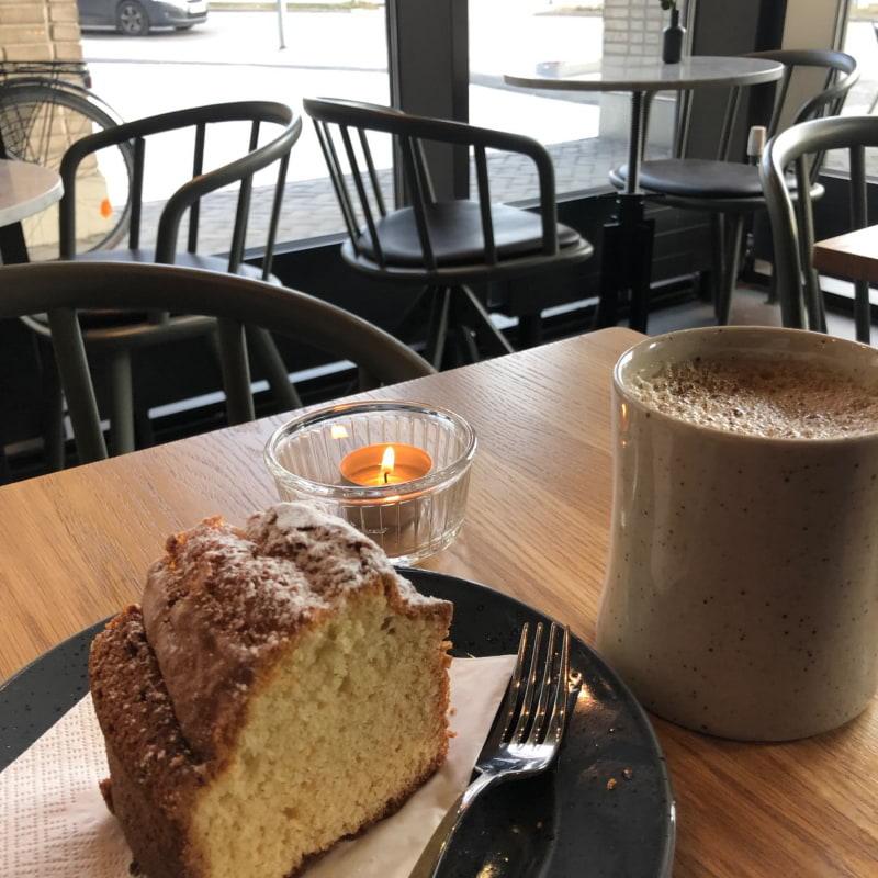 Bild från Café Vólta av Mythu L.