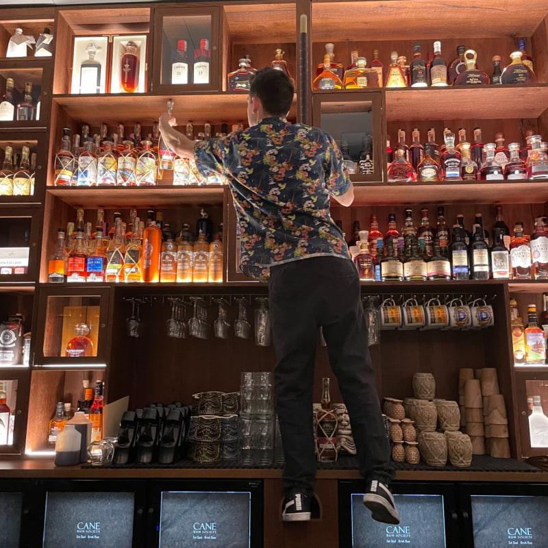 Proffsiga bartenders – Bild från Cane Rum Society av Nils Erik J.