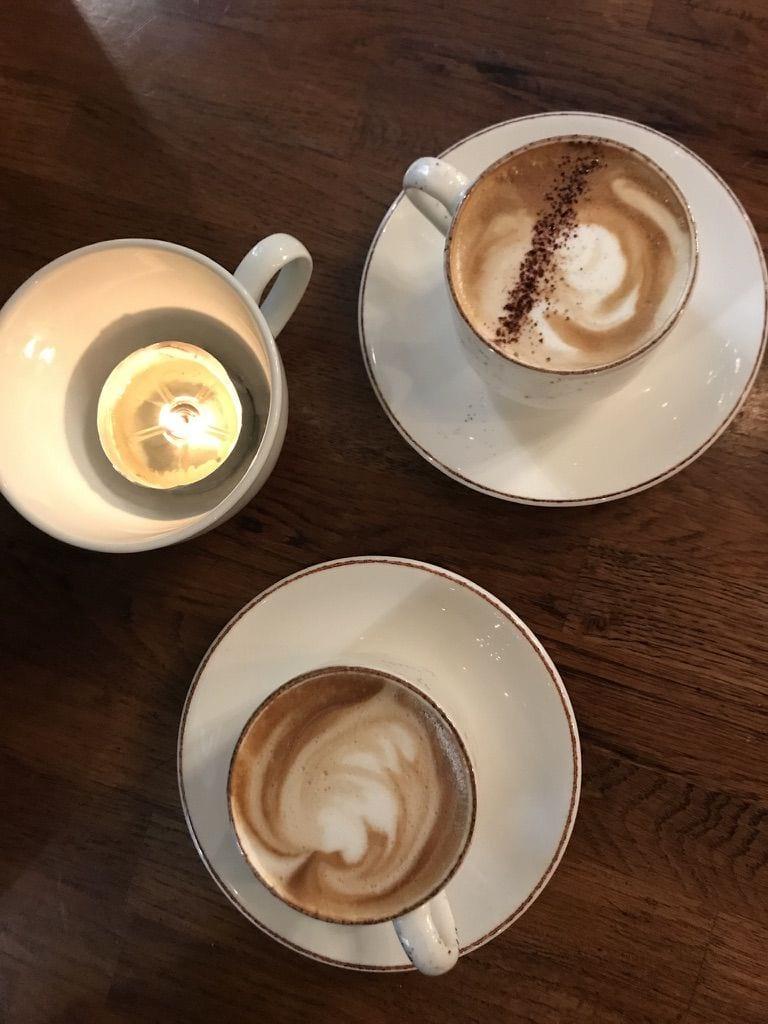 Fantastiskt goda kaffet. – Bild från Café Schweizer av Jessica K.