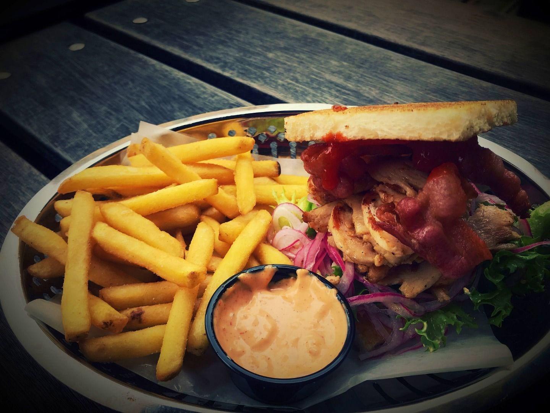 Mat – Bild från Cheers Pub & Sportbar av Yunas M.