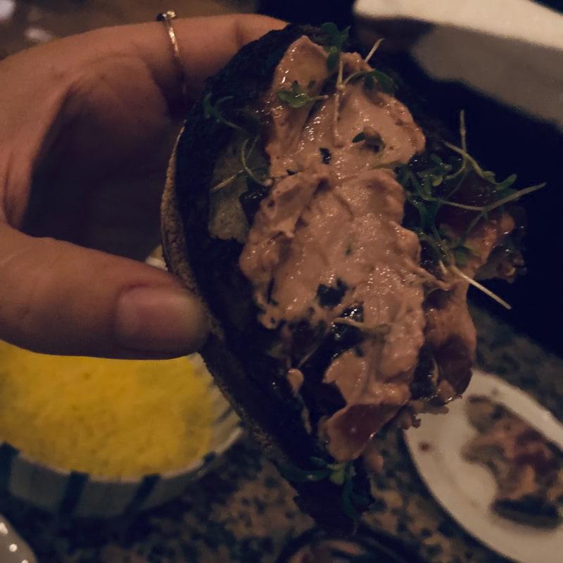 Anklever på grillat bröd – Bild från Copine av Hanna T.