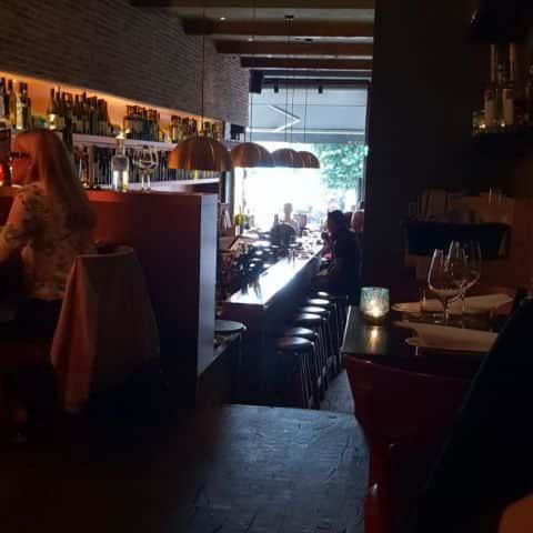 Insidan av restaurangen – Bild från Corvina Enoteca av Niklas E.