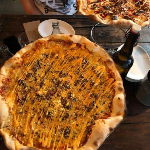 Nr 7, flankstek med kimchimajo – Bild från Crispy Pizza Bistro Vasastan av Adam L.