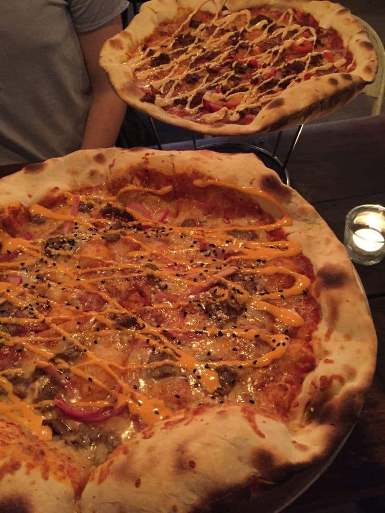 Nr 7 igen, flankstek med kimchimajo – Bild från Crispy Pizza Bistro Vasastan av Adam L.