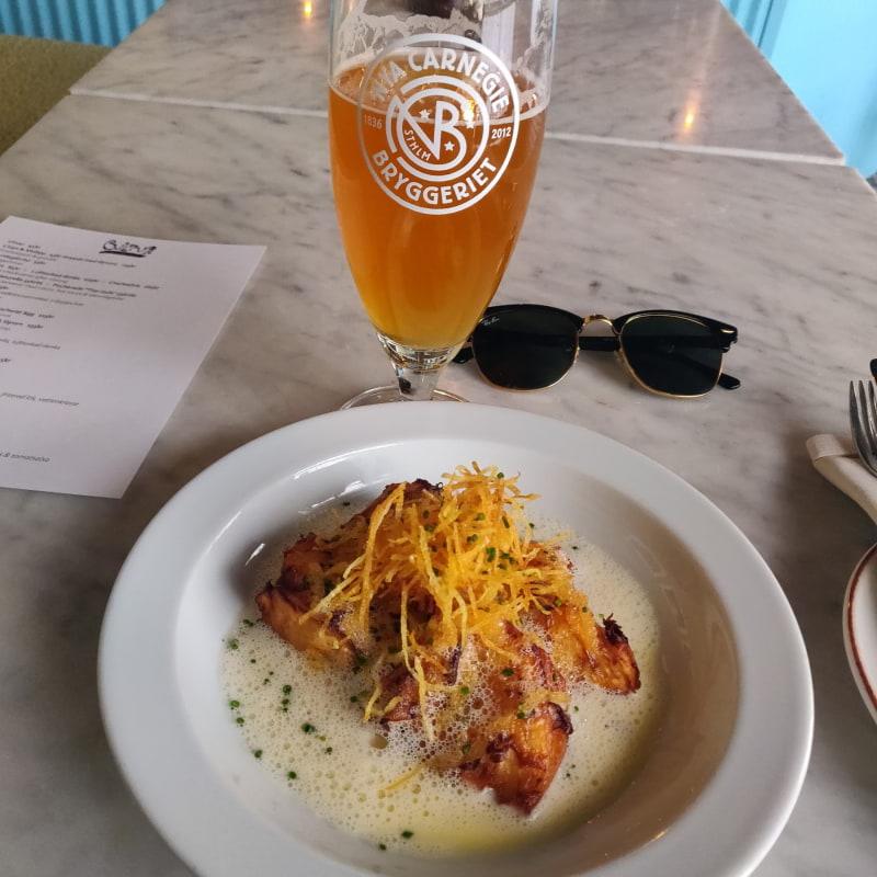 Långbakad rotselleri med vasslesås +Kalix löjrom – Bild från Cultur Bar & Restaurant av Arvid E.