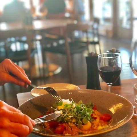 Middag – Bild från Djurönäset av Annelie V.