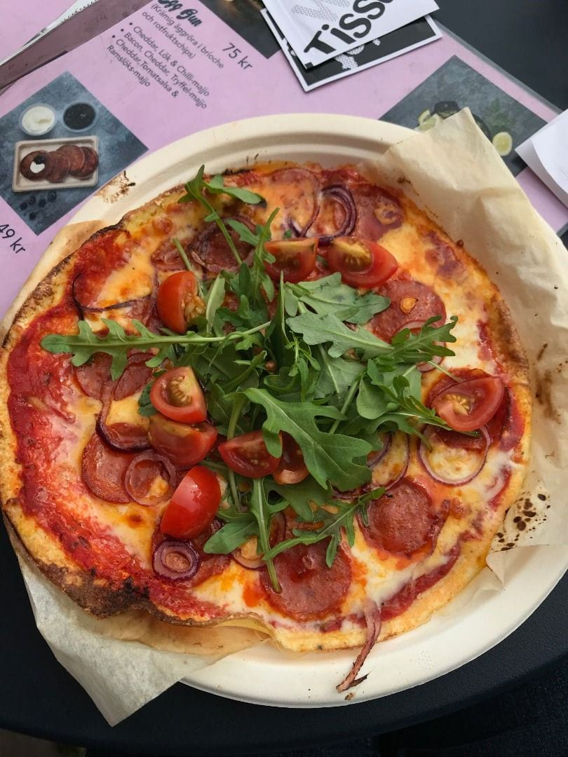 Peperoni Pizza – Bild från Eggs Inc. av Robin N.
