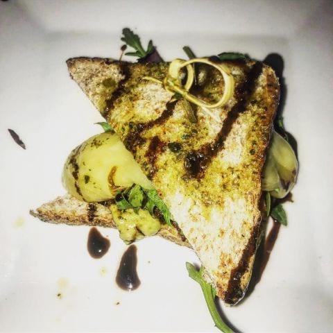 Toast med oxfilé – Bild från El Gallo Tapas bar av Nicolina U.
