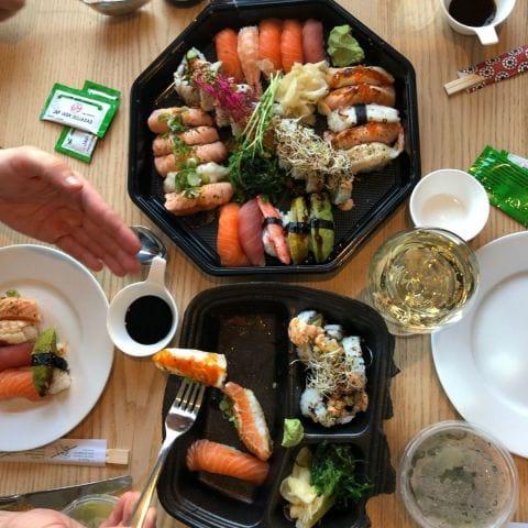 Take away – Bild från Esuki Sushi Solna av Ida B.