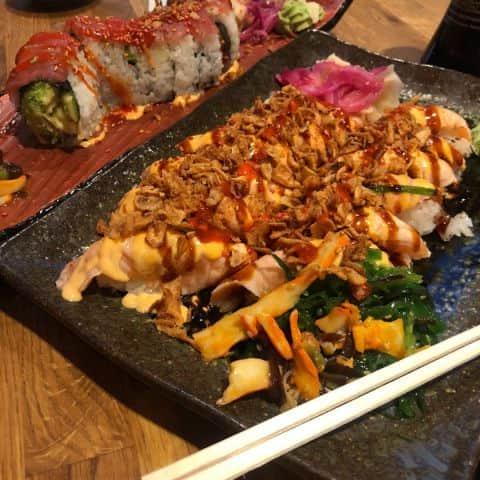 Bild från Esa Sushi av Adam L.