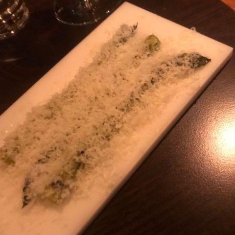 Sparris med salt och parmesan – Bild från Fandado av Nicolina U.