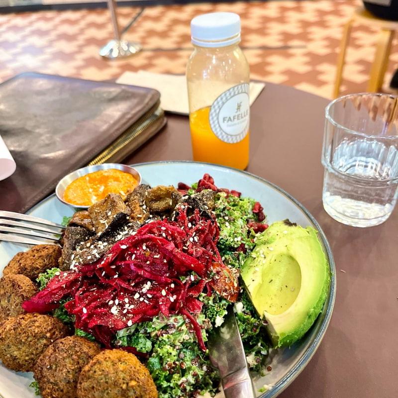 Middle East Bowl och sunshine tonic – Bild från Fafelle PK-huset av Fredrik D.