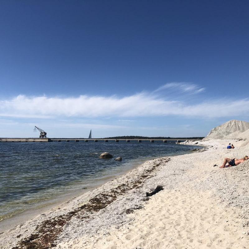 Stranden – Bild från Fabriken Furillen av Fredrik J.