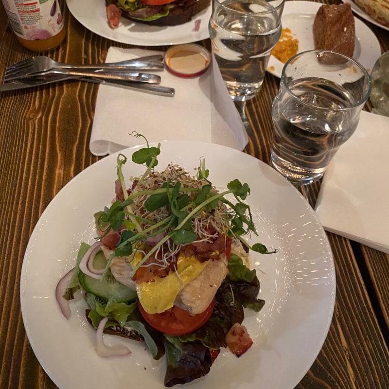 Club sandwich – Bild från Flickorna Helin Skånska Gruvan av Adam L.