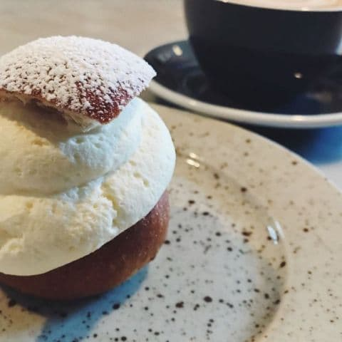 Semla och cappuccino – Photo from Gast by Marcus S.