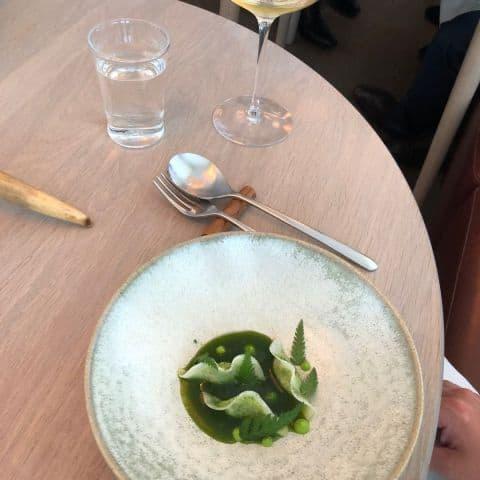 Syrade grönsaker med rättika och maritima smaker – Bild från Gastrologik av Adam L.