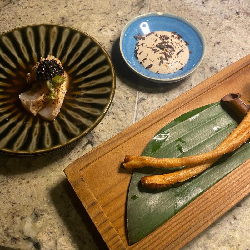 Sashimi och jordärtskocka med tryffelmajo – Bild från GOMA Gastropub av Adam L.