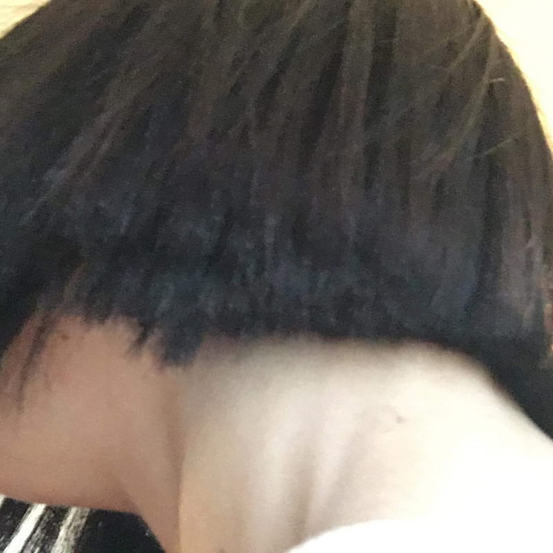 Toppar underifrån, vänster sida – Bild från Hair Angered av Alma S.