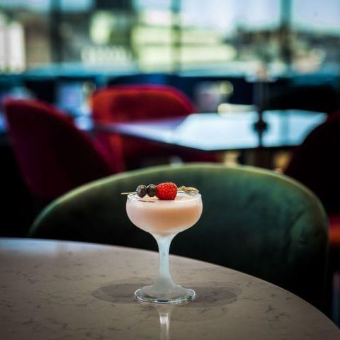 Bild från HIGH The cocktail social club STHLM av Veronica L.