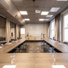 Hotel Riverton