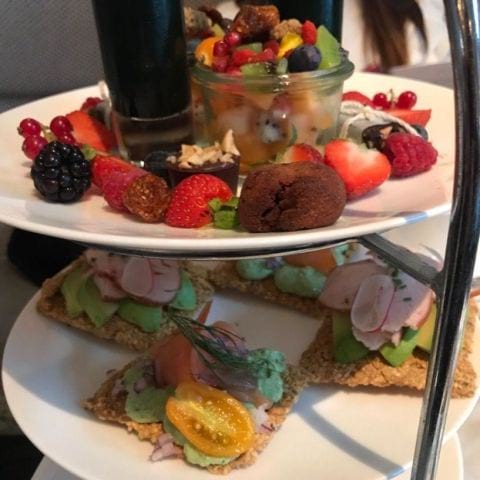Tea tox – Bild från Hotel Diplomat Restaurang av Mythu L.