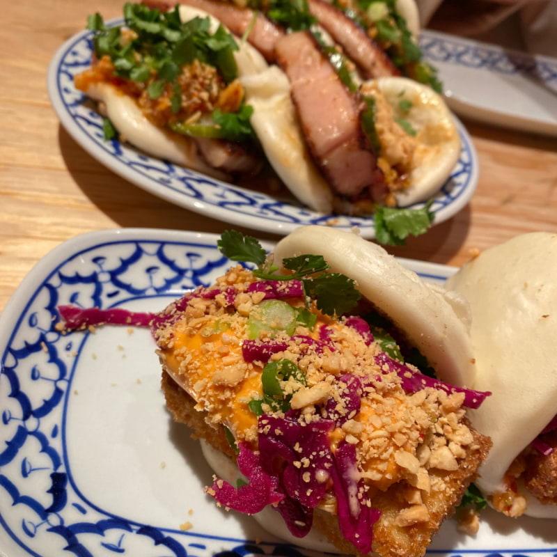 Porkbun och vegansk bun – Photo from Jinx Dynasty by Linda L.