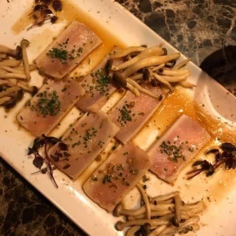 Sashimi med japanska svampar – Photo from Kasai by Adam L.