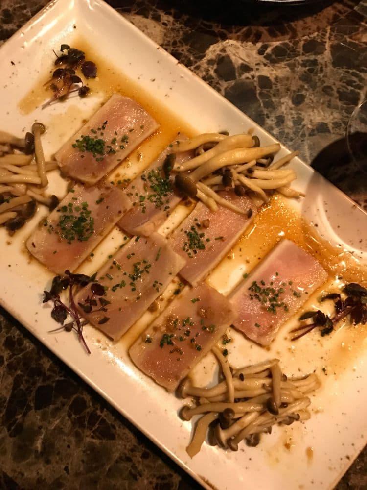 Sashimi med japanska svampar – Bild från Kasai av Adam L.