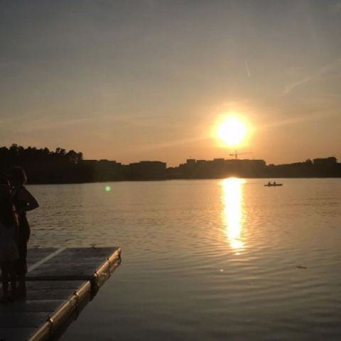 Solnedgång från bryggan – Bild från Kafé Sjöstugan av Marcus S.