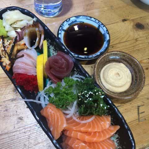 Liten sashimi – Bild från Kimama Sushi av Adam L.