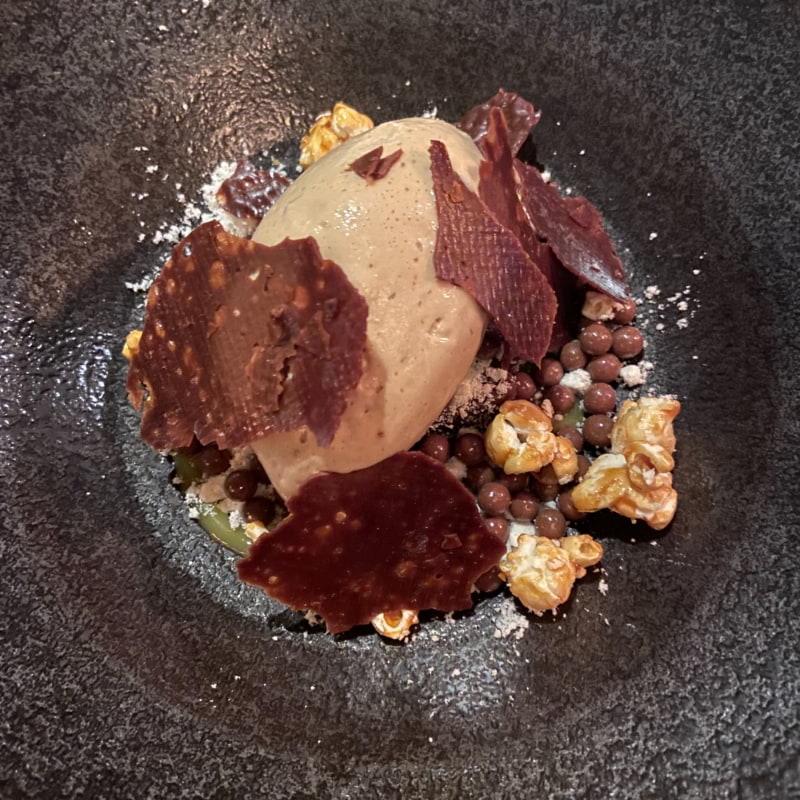 Saltkola, choklad, popcorn – Bild från Las Brasas av Saga S.
