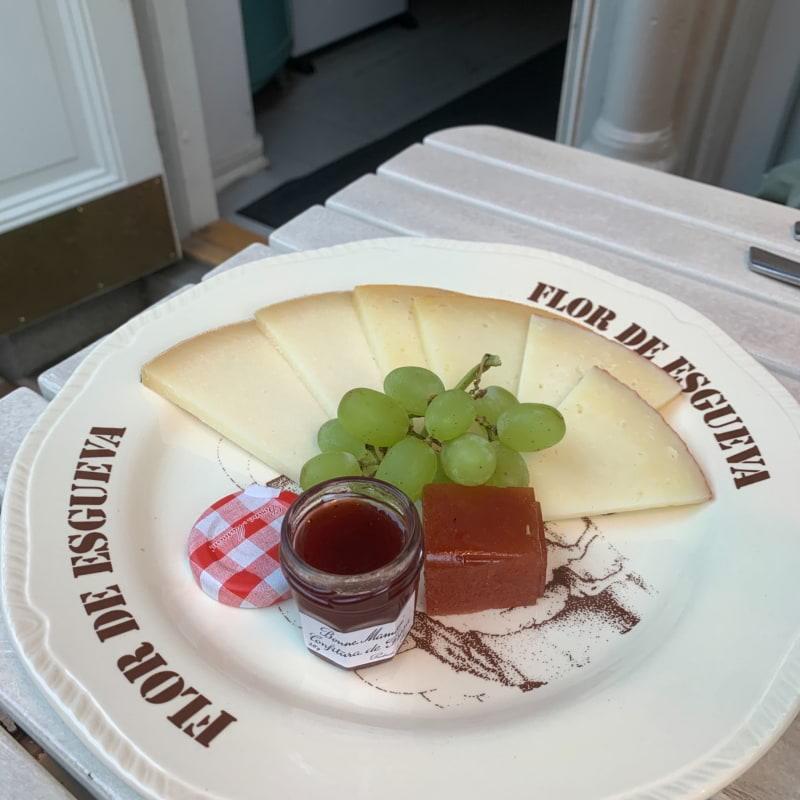 Cheesy 🧀 – Photo from La Tonteria by Sarah A.