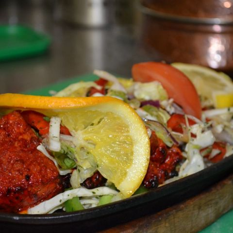 Chicken Tikka Sizzler – Photo from Lilla Karachi by Shahzad A.