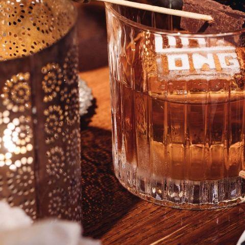 bra drinkar och DJ – Photo from Ling Long by Umur T.