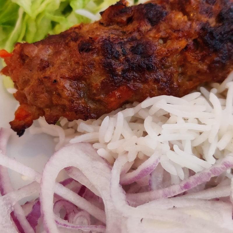 Adana kebab – Bild från Lilla Mellanöstern av Shahzad A.