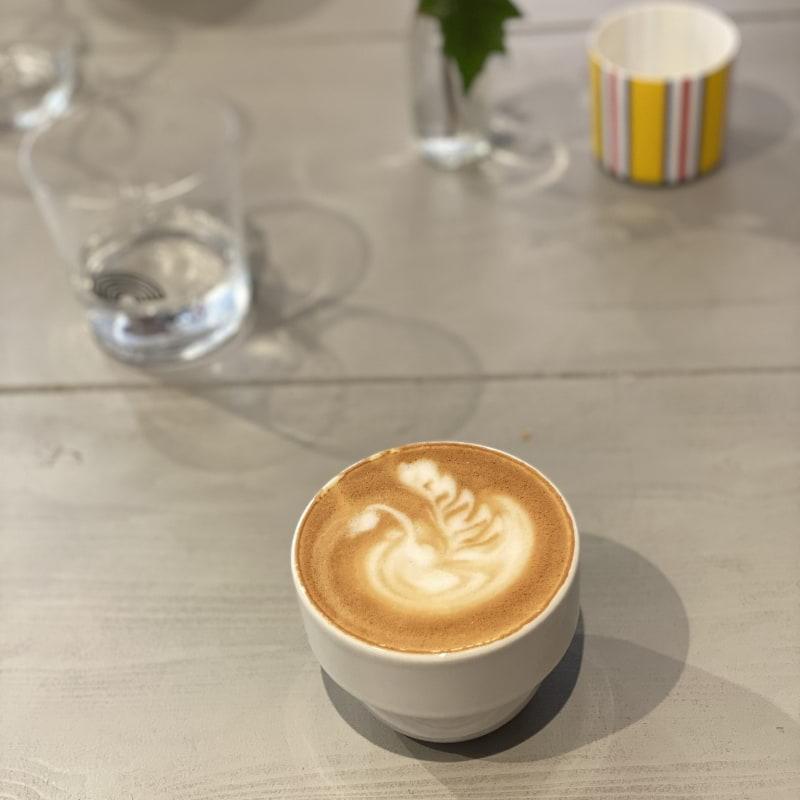 Cappuccino på havredryck – Photo from Lykke Kaffegårdar Nytorget by Agnes L.