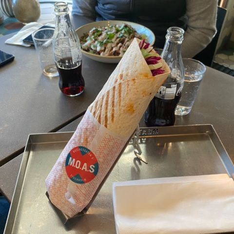Wrapkebab – Bild från M.O.A.S - Meat on a Stick av Adam L.